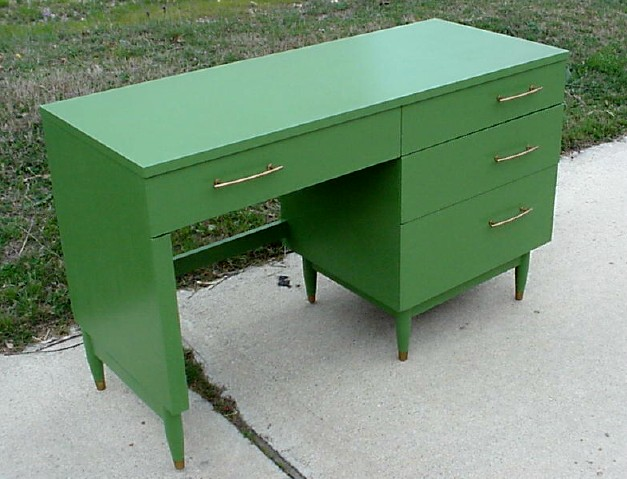greendesk front